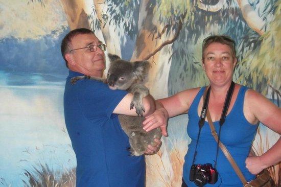 Kuranda Koala Gardens: Holding a real Koala