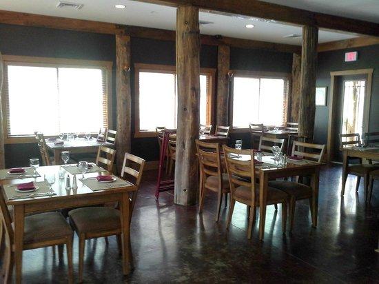 The Esmeralda Inn : RESTAURANT AREA