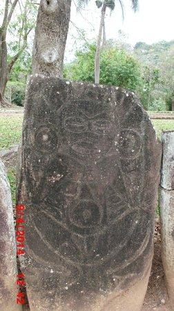 Parque Ceremonial Indigena de Caguana : Petroglyph