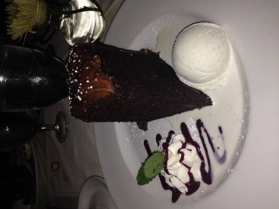 Halls Chophouse : chocolate cake (sorry it is sideways)