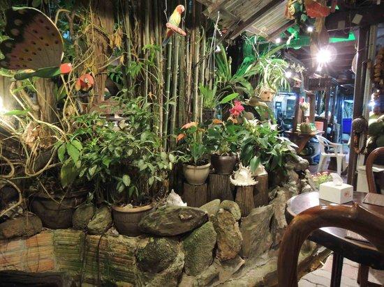 Natural Restaurant: Décoration 1