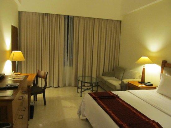 Aryaduta Manado: chambre Hôtel Aryaduta
