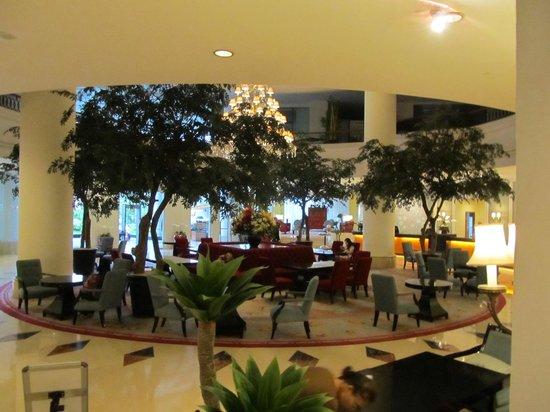 Aryaduta Manado : Lobby