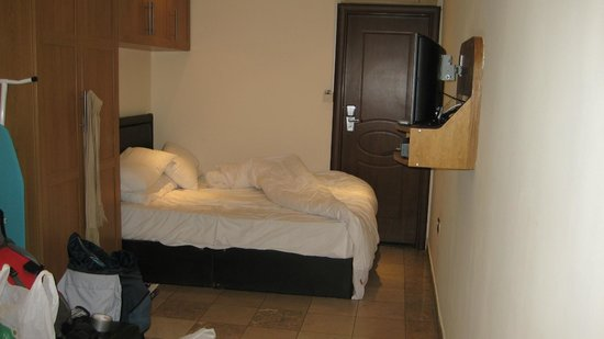 Inverness Terrace Serviced Apartments: Bed
