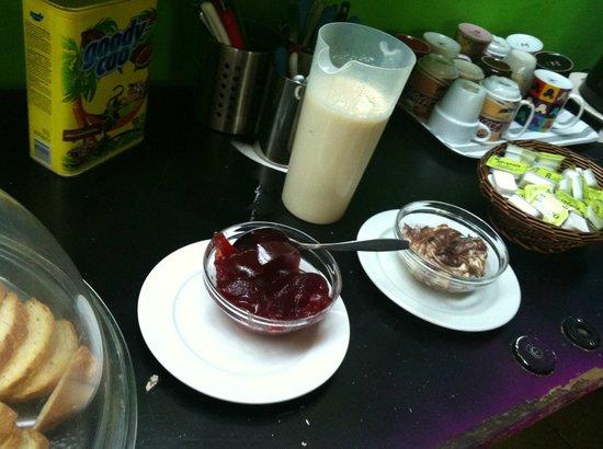 Hotel Dioskouros : Desayuno (hay variedad)