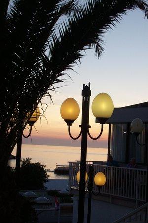 Hotel Zorna: veduta..al tramonto