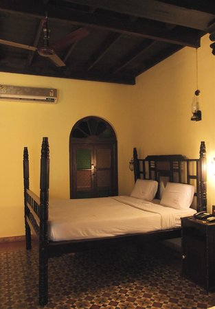 Paradise Resort: chambre style colonial
