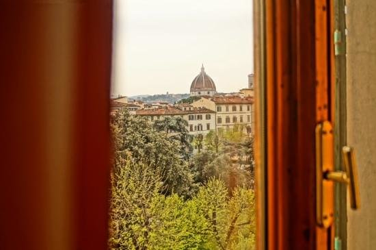 Hotel Andrea: view of the Duomo and park from our window