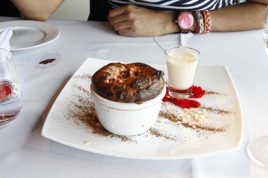 Bodega Bouza: Sobremesa típica