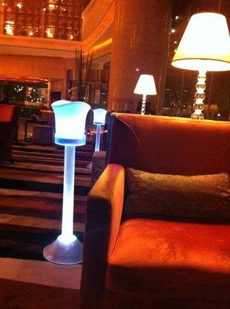 Swissotel Grand Shanghai: Hotel Lobby