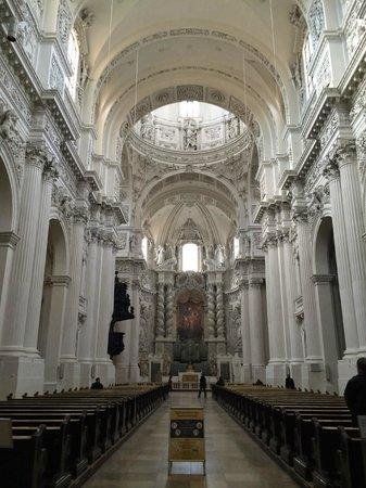 Theatinerkirche St. Kajetan: Nave