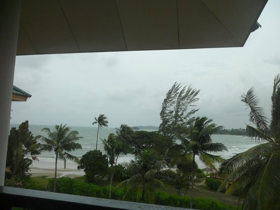 Angsana Bintan: not a good date to visit. bad weather