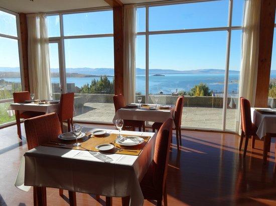 Terrazas del Calafate Hotel: Desayuno mirando al lago Argentino