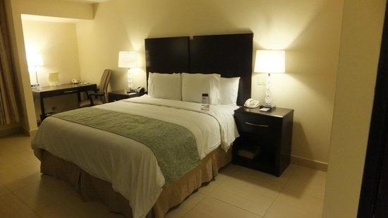 DoubleTree By Hilton Panama City : King Bed Room 1