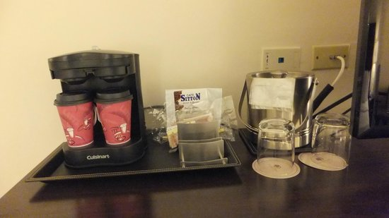 DoubleTree By Hilton Panama City: Coffee in Room