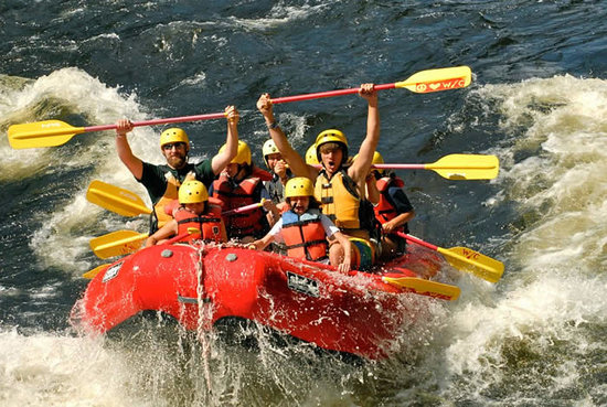 Black Mountain Lodge: Reserve for your Whitewater Adventure today!