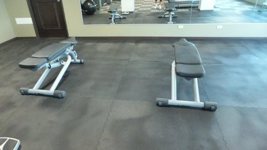 DoubleTree By Hilton Panama City: Exercise Gym 1