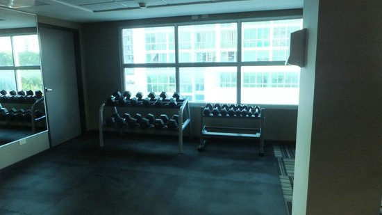 DoubleTree By Hilton Panama City: Exercise Gym 3