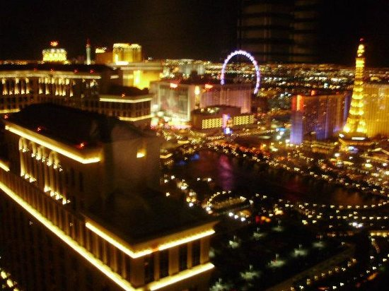 Vdara Hotel & Spa : View @ night of Ballagio & Strip from 45th floor