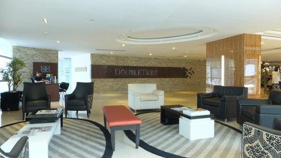 DoubleTree By Hilton Panama City: Hotel Lobby 1