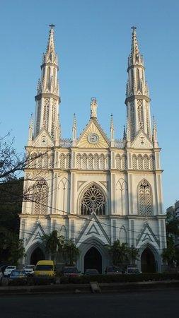 DoubleTree By Hilton Panama City: Church Outside Window
