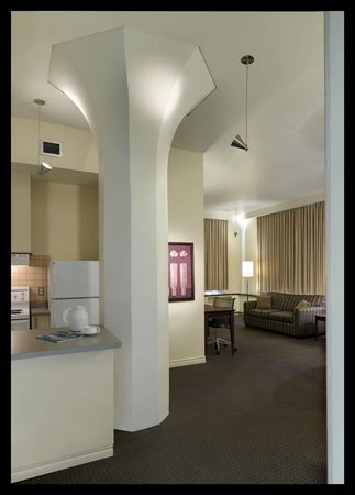 Le Square Phillips Hotel & Suites : Two Bedroom Suite