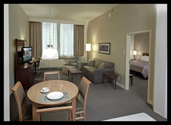 Le Square Phillips Hotel & Suites : One Bedroom Suite