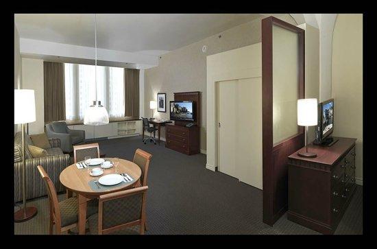 Le Square Phillips Hotel & Suites : Junior Suite Queen