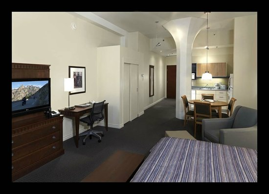 Studio Room King Picture of Le Square Phillips Hotel Suites