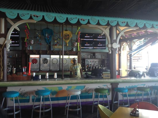 Jimmy Buffett's Margaritaville: Bar