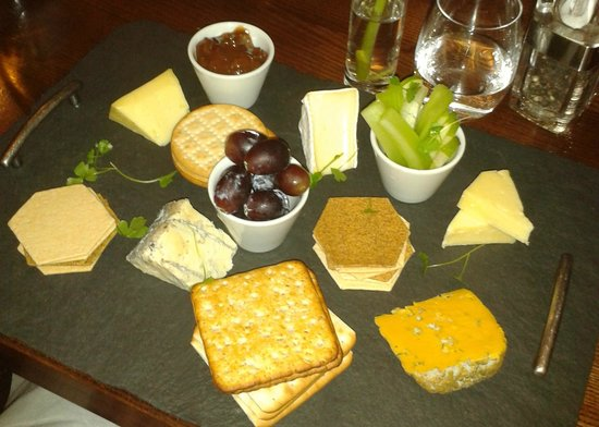 No17 Restaurant & Lounge: 5 cheese cheeseboard