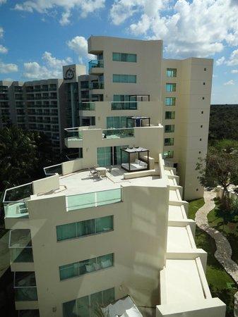 Grand Park Royal Cozumel: Suite balconies