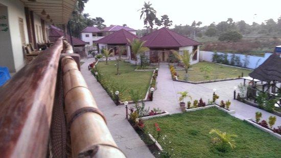 Bamboo Garden Hotel: uitzicht vanuit onze kamer