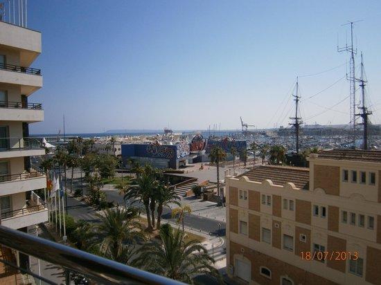 Melia Alicante: Vista del puerto de Alicante 3ª planta