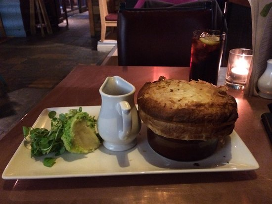 The Green Man: Pulled beef and ale pie