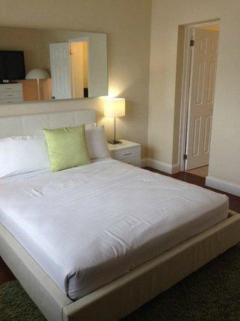 Tranquilo: Queen Bed
