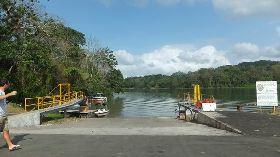 Panama Canal Boat Eco Tour : Dock Load Up Area
