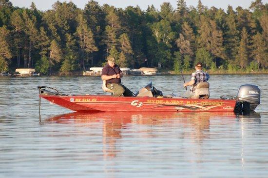 Hyde-A-Way Bay Resort : Fishing with great lake views