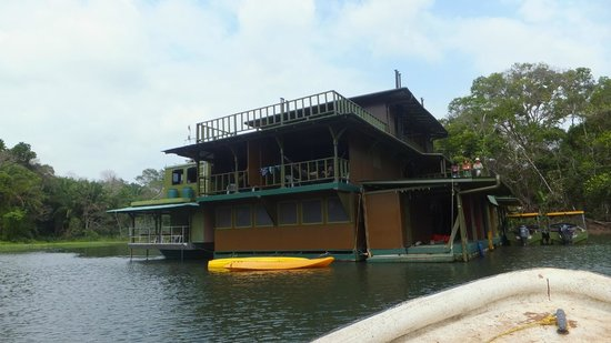 Panama Canal Boat Eco Tour: House on Canal 2