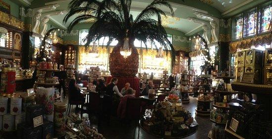 Eliseevs Food Hall (Yeliseevskiy Gastronom) : Elisseeff Emporium