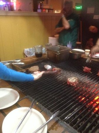 Alexander's Steakhouse: Cooking the steaks!