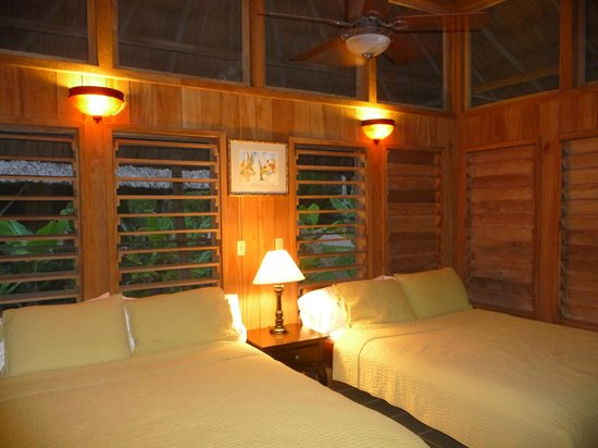 Chan Chich Lodge: The Lodge bedroom