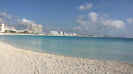 Club Med Cancun Yucatan : Le béton à perte de vue !!!