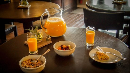 Bird Rock Hotel: Tasty Breakfast