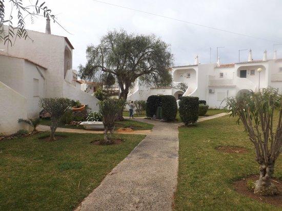 Vila Senhora da Rocha: The grounds