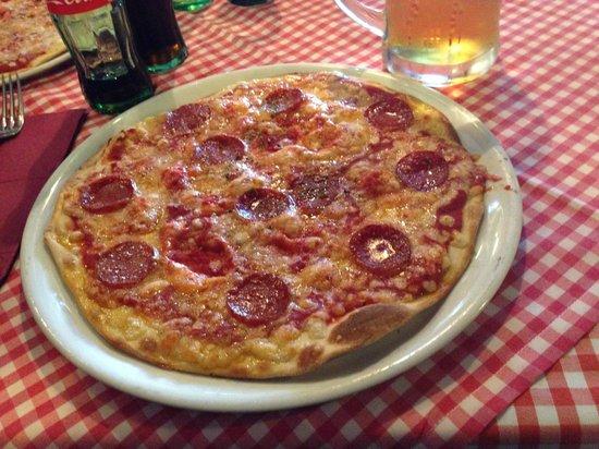 Lorenzo Trattoria: Pepperoni Pizza