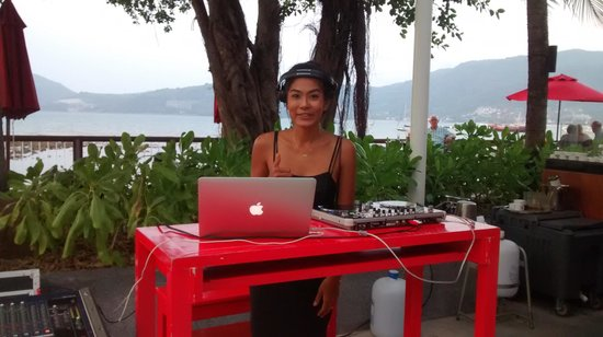 Amari Phuket : DJ At hotel Happy Hour