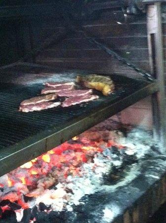 Restaurante Atalaya. Asador y Cocina Marroqui: Carne brasas