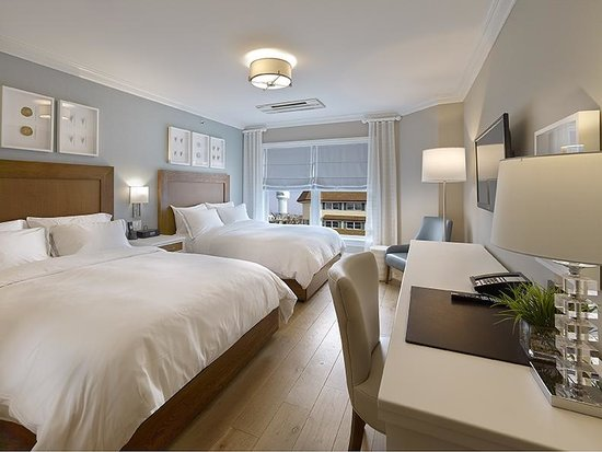 The Reeds at Shelter Haven: Town View Queen Guestroom