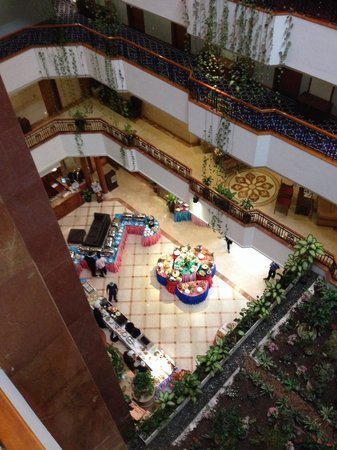 Regent Palace Hotel: The lobby seen from the 3th